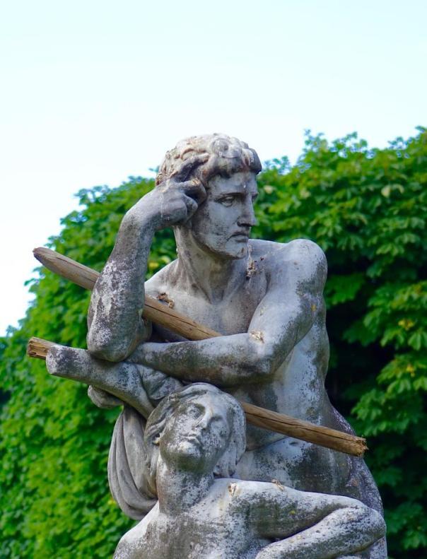 thinking statue
