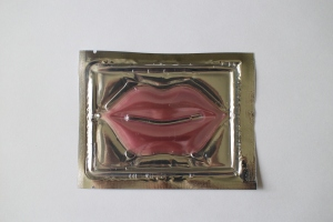 pink moisturizing lip mask from Jean Pierre Cosmetics